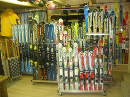 RENTING SKI, SNOWBOARD AND CROSSCOUNTRY EQUIPMENT