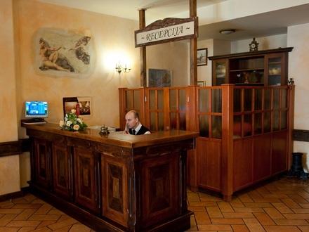 Гостиницу в Иос на побережье